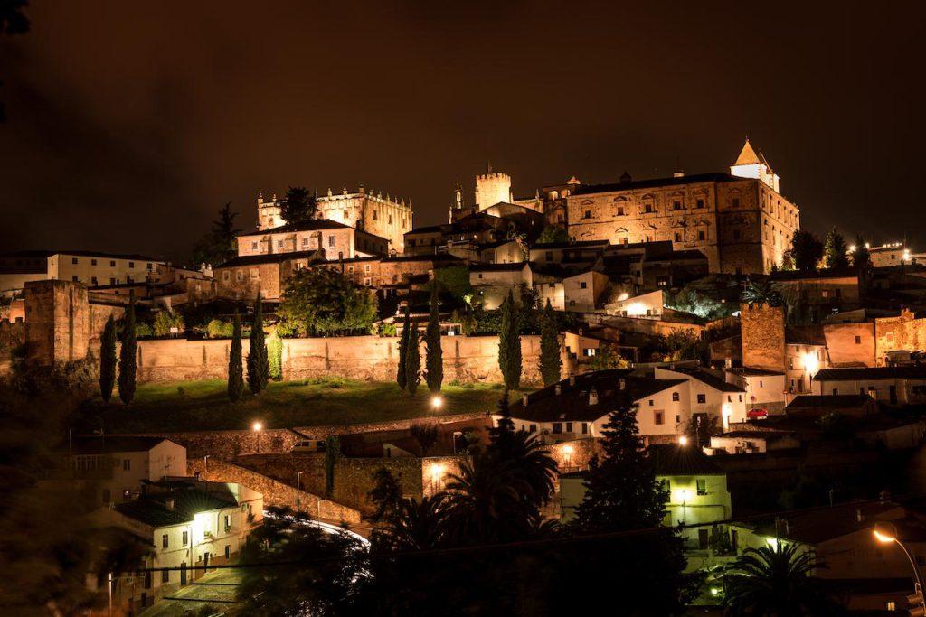Cáceres noche Que visitar en Caceres