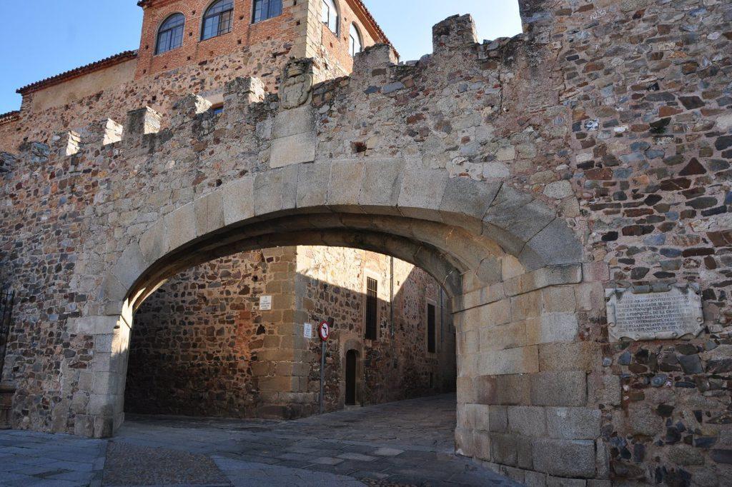 Arco de la Estrella- Cáceres