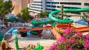 Hotel con toboganes Magic aqua rock gardens Benidorm