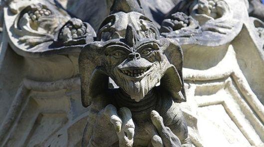 Capilla Nuestra Señora de Belén gárgolas Gremlins
