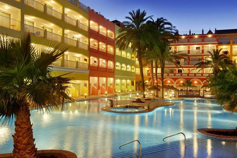 Mediterraneo Bay Hotel & Resort 4*